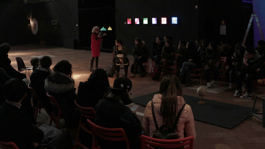 Gli studenti di Light Art e Design della Luce visitano la mostra LUCE4GOOD